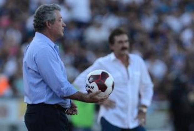 Victor Manuel Vucetich y Ricardo Lavolpe no se saludaron
