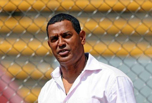 Santos arremete contra Herrera