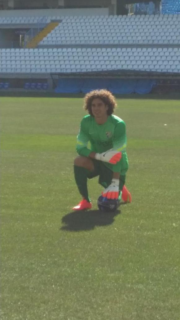Ochoa recibe gol en su debut con el Málaga