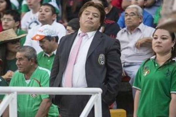 FIFA confunde al 'Piojo'