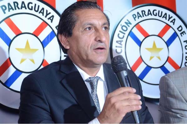 Chilavert arremete contra Pelado Díaz